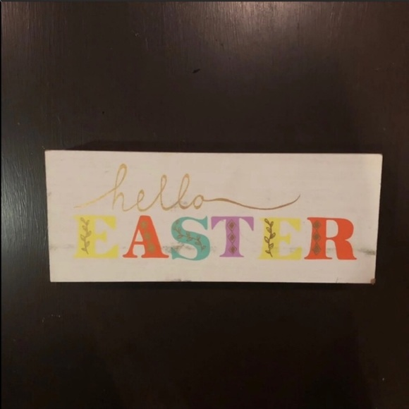 Intentionally Distressed Happy Easter Shelf Sitter